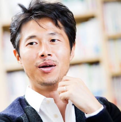 株式会社ビジネスバンクグループ代表取締役 浜口 隆則